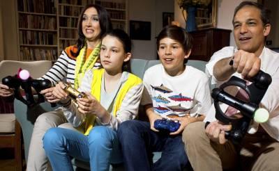 l PS Family 04 52a08e566b9de
