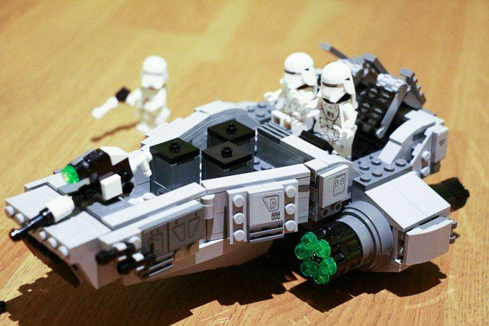 Recensie LEGO Star Wars Snowspeeder 8076
