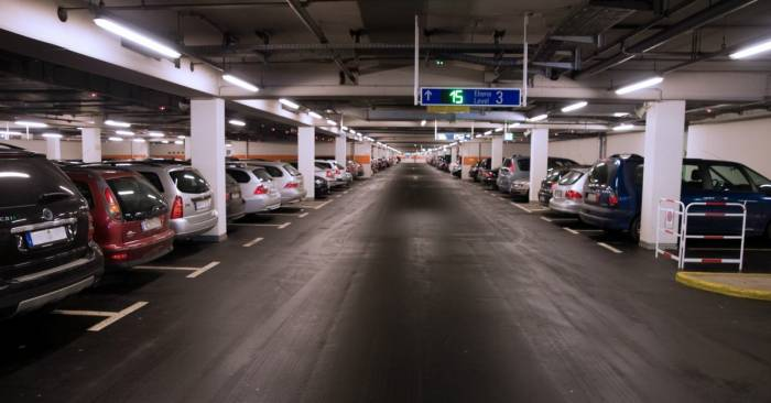 Tip-10-vliegveld-parkeerplaats