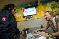 Verstuur ook een kerstkaart via SMS voor daklozen zonder adres