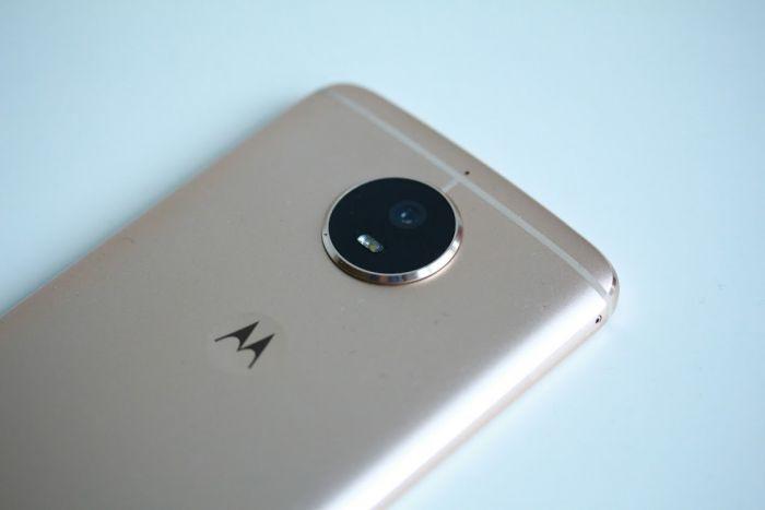 Motorola g5s camera