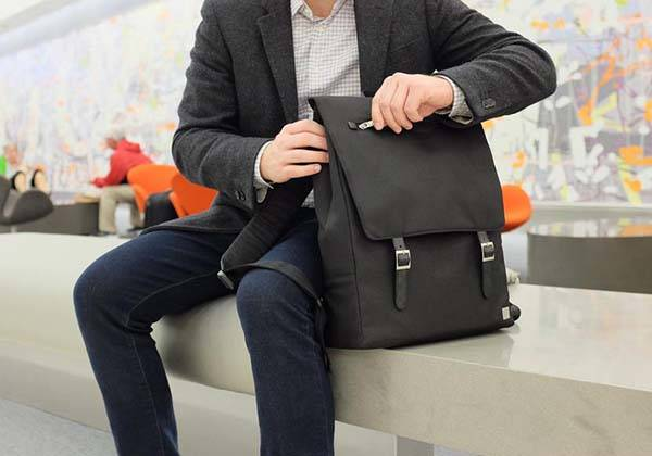 moshi helios laptop backpack 1