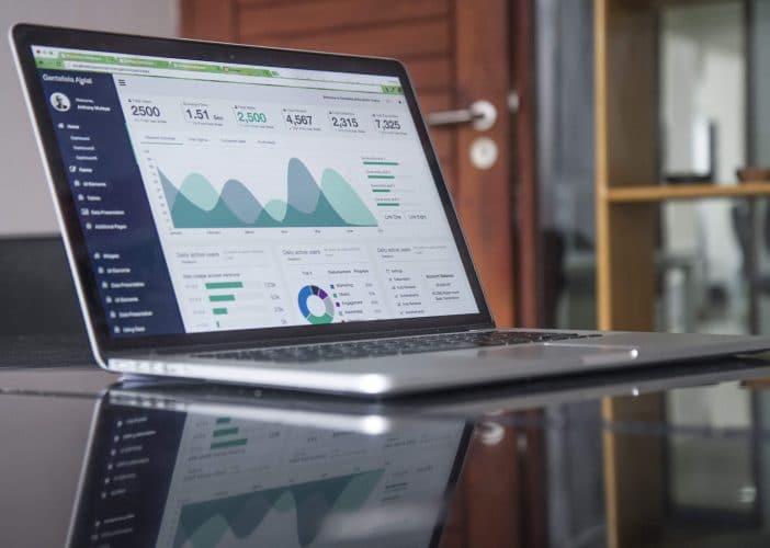 statistieken op laptop