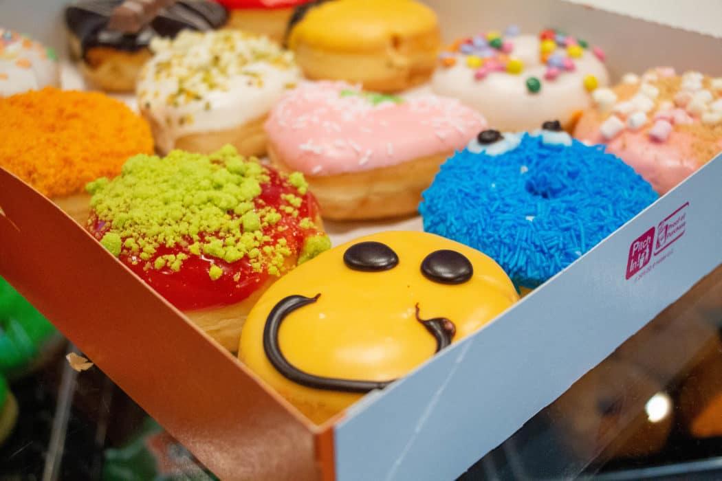 dunkin donuts 7 van 13