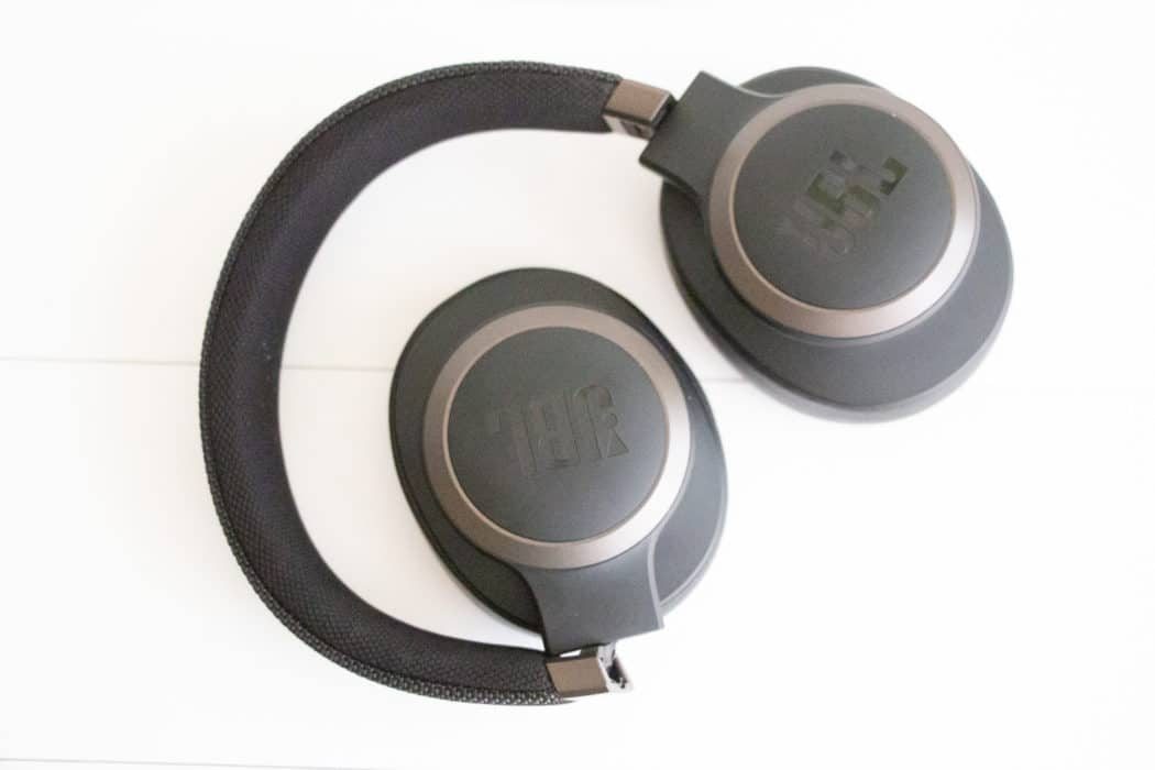 gadgets review JBL Live 360 1
