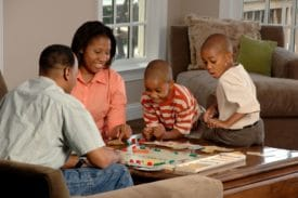 gezelschapspel met familie