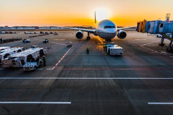 vliegveld vliegtuig vakantie