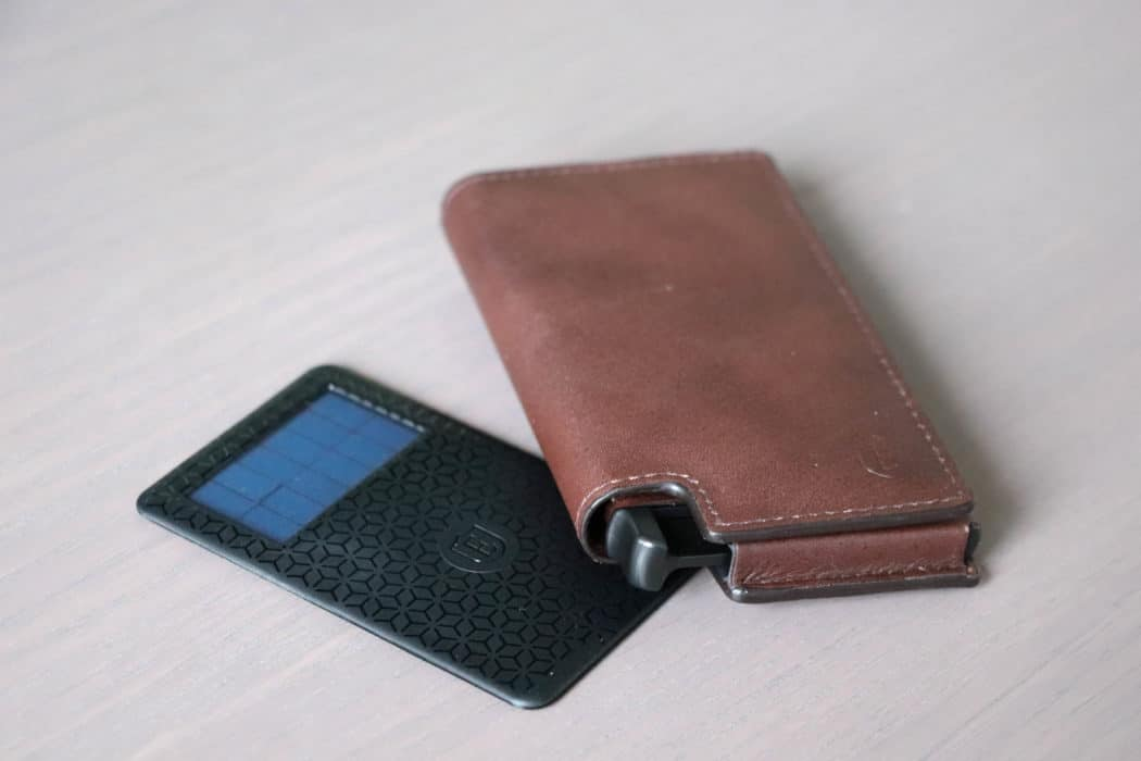review ekster wallet RFID tracking 1 van 4