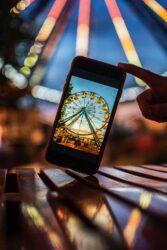 foto avond met smartphone
