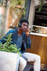 Bose Noise Cancelling Headphone 700 3
