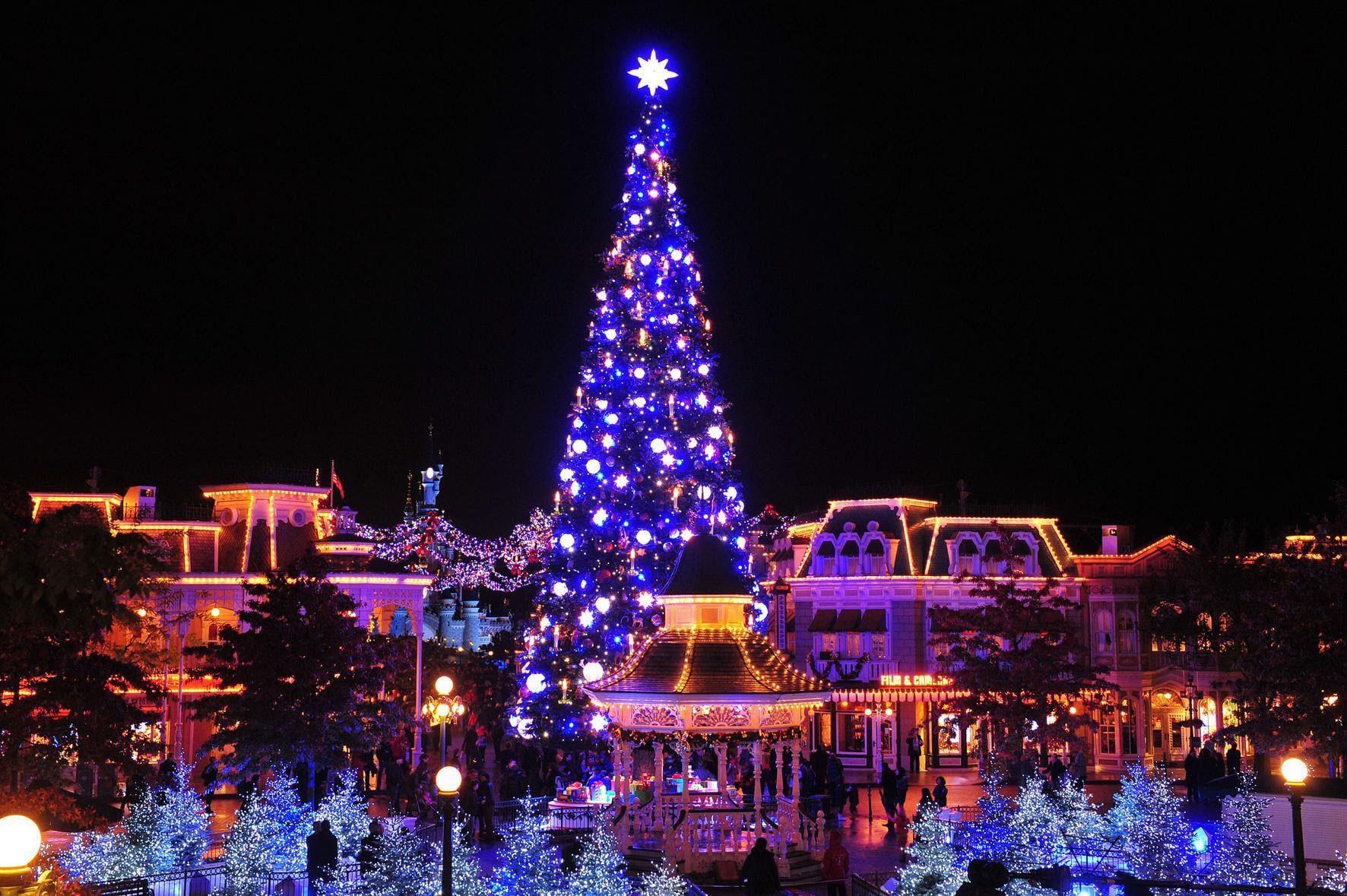 Disney's Betoverende Kerst en Halloween