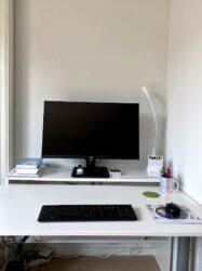 aoc essential line u32e2n 4K monitor werkplek