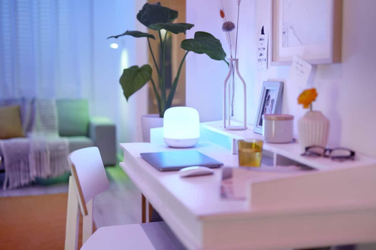 WiZ Hero Table Lamp